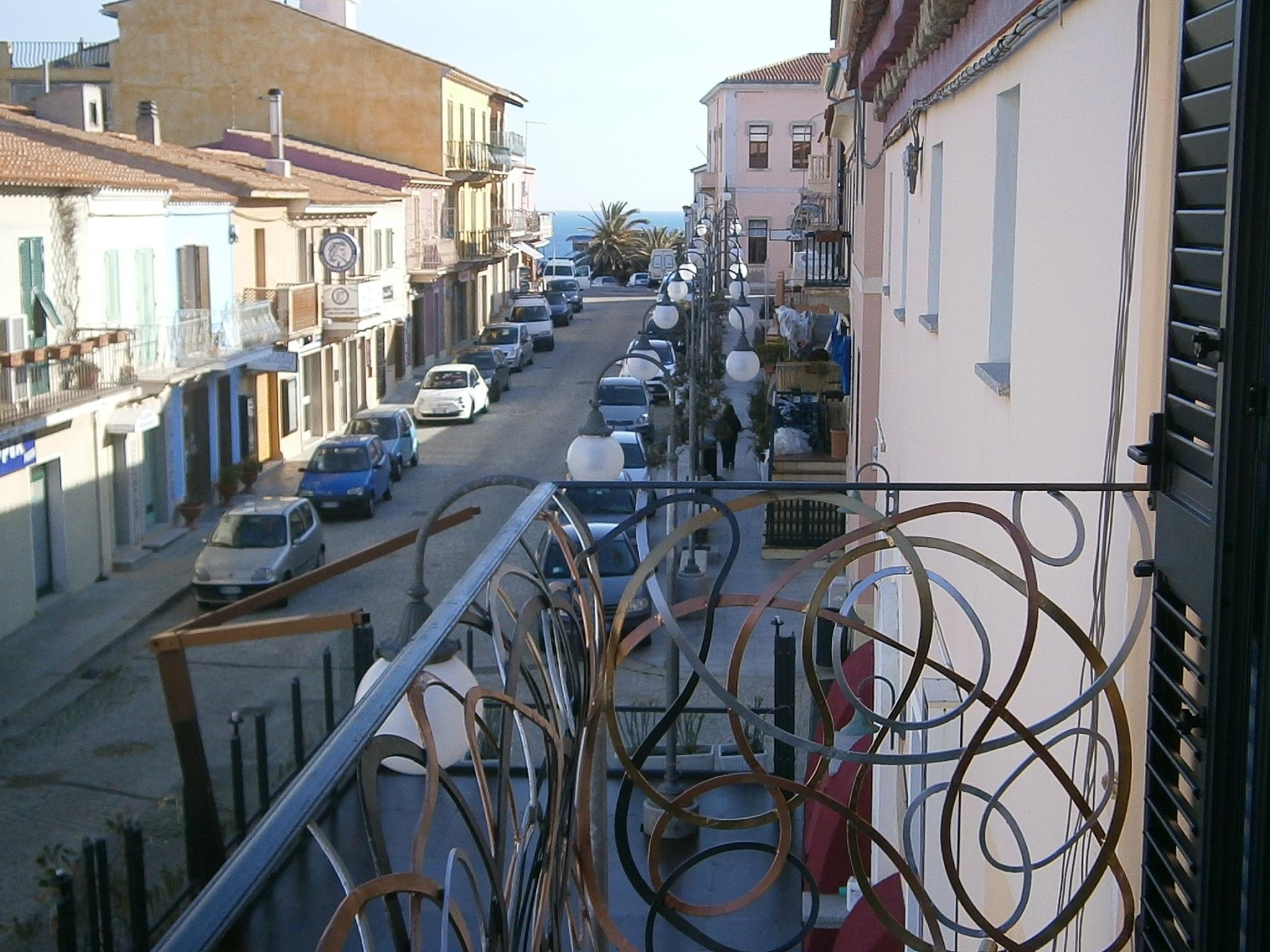 15_balcone-camera-rossa-sul-Corso-piazza